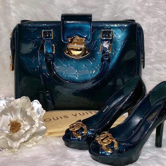 Louis Vuitton Melrose Vernis Avenue Blue N…